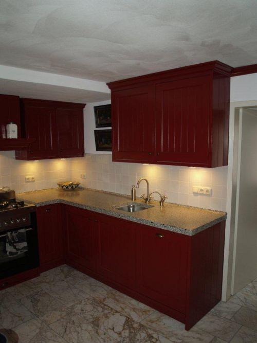 Rood keuken landelijk home design idee n en meubilair inspiraties - Keuken op het platteland ...