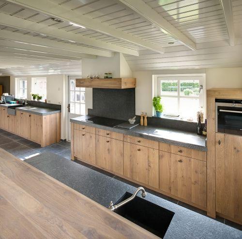 Keuken Landelijk Hout : VRI interieur: landelijke keuken met houten laden