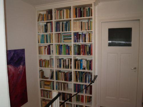 vri interieur exclusieve boekenkast op maat onder de trap te doorn