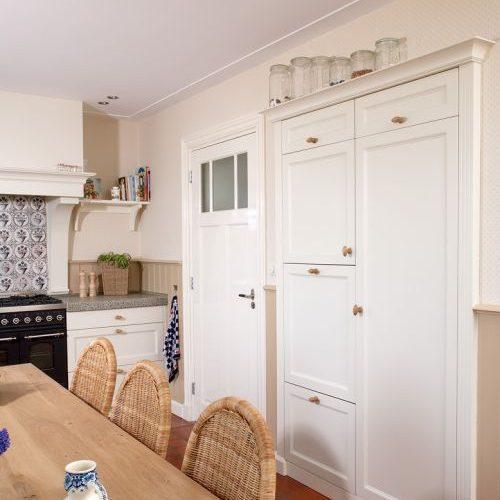 VRI interieur: landelijke eettafel woonkeuken