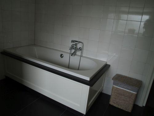 VRI interieur: landelijke badkamer
