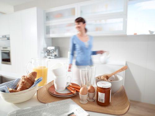 VRI interieur ontbijt klaarmaken