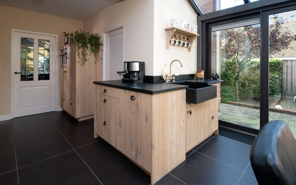 VRI-Interieur | Exclusieve keukens en interieurs op maat