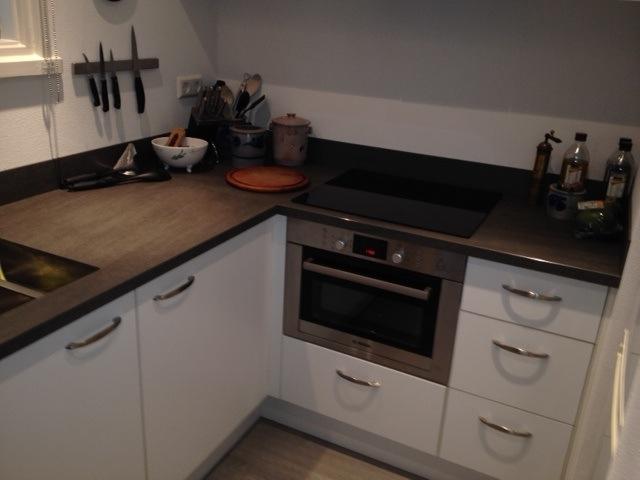 VRI interieur: moderne keuken keramiek werkblad