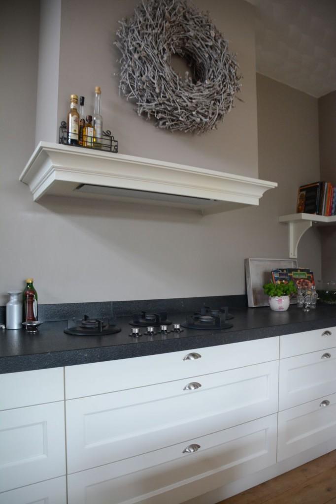 Witte keuken met wit werkblad: witte keuken met wit blad landelijk ...