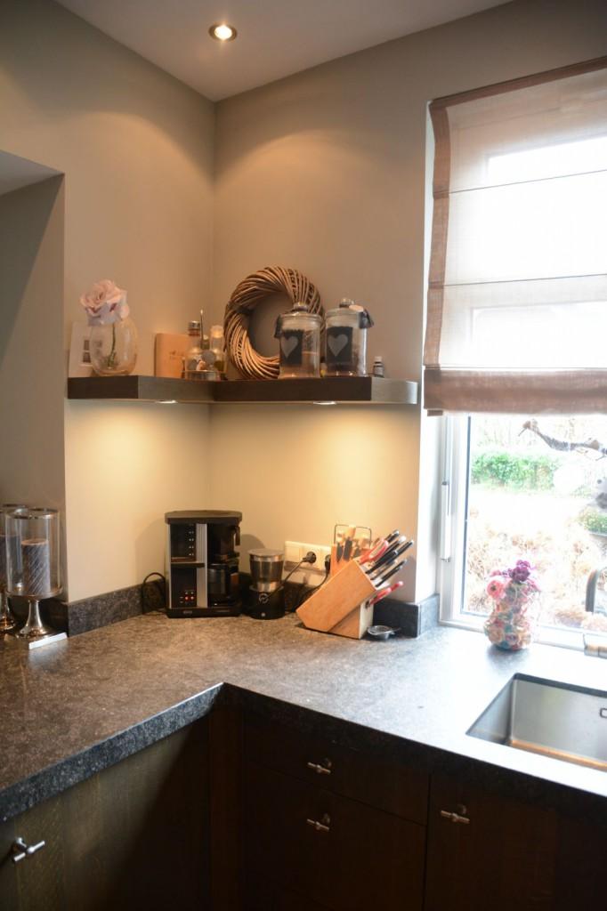 Keuken donker eiken elst vri interieur for Keuken interieur