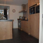 Keuken en badkamer in dezelfde stijl, andere uitstraling