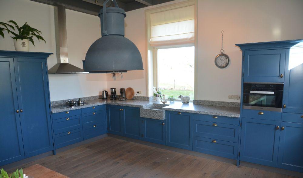 Blauw keuken landelijk home design idee n en meubilair inspiraties - Oude stijl keuken wastafel ...